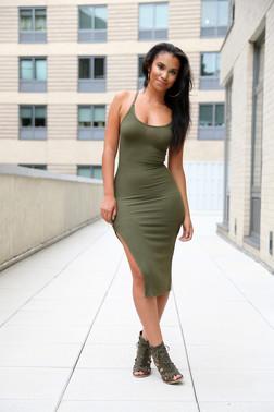 Stunning latina cutie posing in sexy..