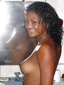 Big boobs black girls self-shot pictures